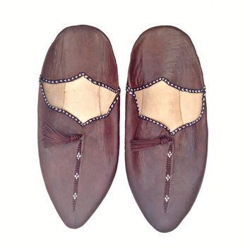 Moroccan Leather Slippers. Brown Leather Babouches. Babouches Slippers. Dark Brown Slippers. Leather Slippers. Dark Brown Babouches.