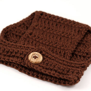 Brown Crochet Diaper Cover with Wooden Button // Newborn, 0-3M Photo Prop