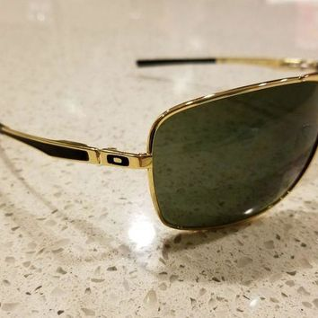 DCCK7BE Oakley Plaintiff Squared Sunglasses Gold OO4063-02