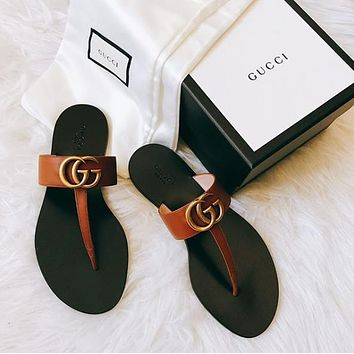 GUCCI Leather thong sandal with Double