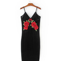 Sexy Red Rose Flower 3D Appliques Embroidery Spaghetti Strap Sheath Velvet Dress Vintage Woman Package Hips Dresses Black