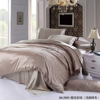 100% Pure silk bedding sets Hot sale luxury fashion Bedding,king size Duvet cover set Christmas gift Light coffee satin