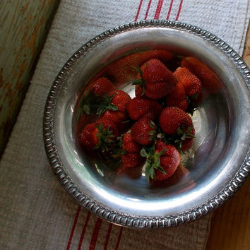 Antique Serving Dish - Round Silver Plate Fruit Bowl - Silverplate - Detailed Edging - Cottage Decor