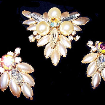Judy Lee Brooch Earring Demi Set White Givre Faux Pearls & Aurora Borealis Rhinestones Gold Metal Holiday Set Vintage