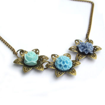 Flower Necklace by JPwithLove