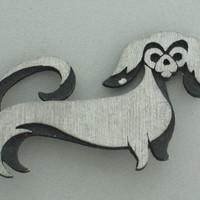 VINTAGE CUTE NAIVE PRIMITIVE DESIGN DOG SILVER & BLACK TONE BROOCH
