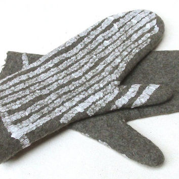 Felted gloves - fel mittens - winter fashion - natural wool felt gloves - Christmas gift