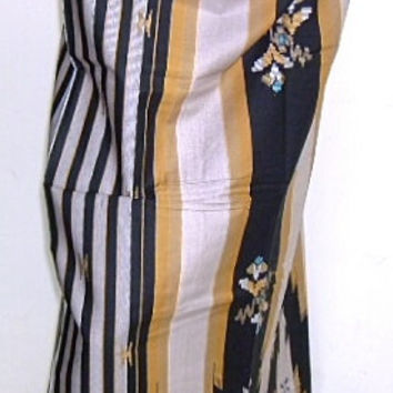 mens muslim sarong black with gold stripe 10A
