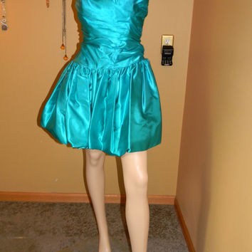 Vintage Ballet Style strapless Gown .EMMY FAVE Caribbean Blue.Bubble Hem. Wedding. Prom.sweetheart Bust.Fall Couture Cocktail Dress