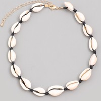 Seashore Finds Shell Choker Necklace