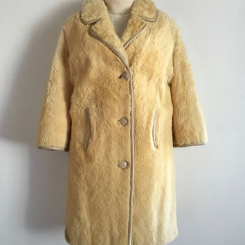 Vintage 1970s 'Roo-Wear' cream coloured kangaroo fur jacket with taupe leather trims and three button front / Made in Australia