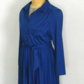 Blue Shirt Dress / 70s Button Up Belted Secretary Knee Length Day Dress with Long Sleeves, Collar, and Pleated Skirt Polyester Size 9 / 10