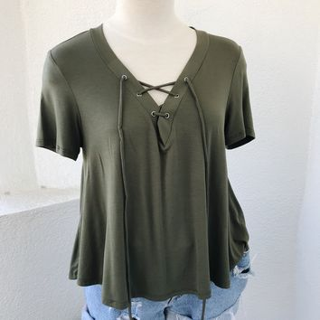DENISE LACE FRONT TOP- OLIVE