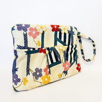 Pleated Wristlet Mini Purse Handbag Floral Print
