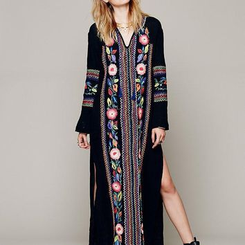 European fashion style cotton long dress spring hot embroidery bohe maxi dress side slit flower embroidery design dresses