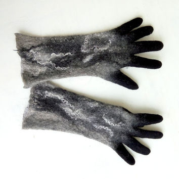 Felted grey mittens Felt gloves with fingers Wet felted mittens Arm warmers Merino wool mittens Winter gloves Black accessory Gifts for her