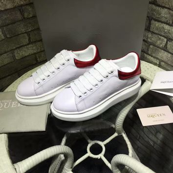 Alexander McQueen men and women with the same paragraph fashion casual shoes white shoes sneakers
