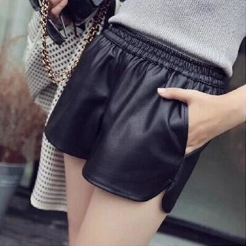 Hot Shorts 2017 New PU Leather  Women's Black High Quality Short Pants With Pockets Loose Casual Short Summer Women Plus Size AT_43_3
