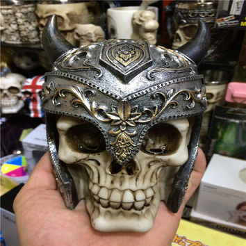 3D Horns Knight Human Skull Model Halloween Skull Bone Party Home Bar Table Decoration Scary Skeleton Skull Resin Ornaments Mask