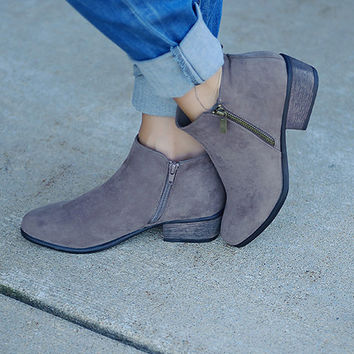Sadie Side Zip Bootie (Taupe)