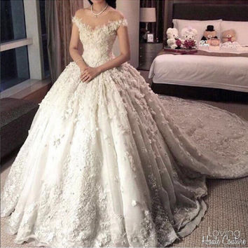 Luxury long train flowers ball gown wedding dress 2016