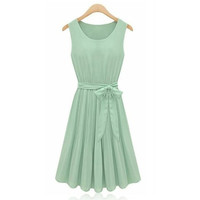Light Green Sleeveless Pleated Dress