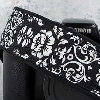 dSLR Camera Strap, Black & White Floral Damask,Camera Neck Strap, Pocket, Canon or Nikon Strap, SLR, 21 ww