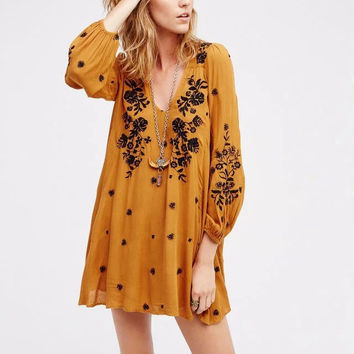 Fashion Back Hollow Backless V-Neck Long Sleeve Embroidery Mini Dress