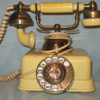 Vintage 1960s Old Victorian Rotary Dial Telephone
