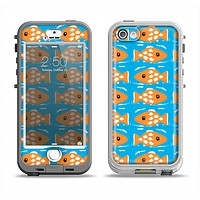 The Seamless Vector Gold Fish Apple iPhone 5-5s LifeProof Nuud Case Skin Set