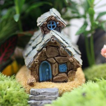 Retail handmade house girls fairy garden miniatures mini gnomes moss terrariums resin crafts figurines for garden decoration