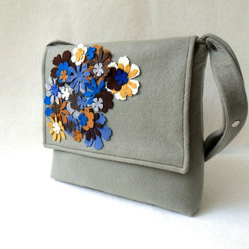 Bouquet Felt Messenger Bag by renklitasarimlar on Etsy