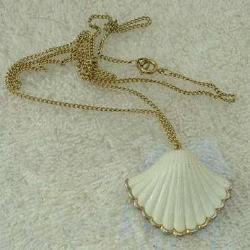 White Enameled Sea Shell-Shaped Pendant Necklace Scalloped Edge Signed Vintage