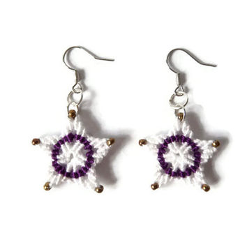 star earrings with beads in white, purple and gold, micro macrame fashion jewelry, knotted dangle earrings, XMASINAUSTRIA