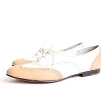 size 6 white wingtip leather oxfords