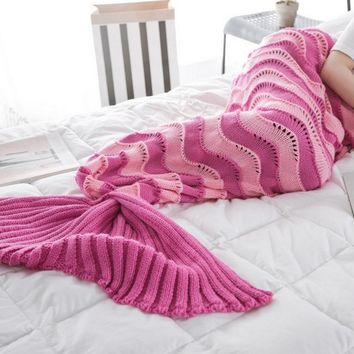 The new wave fight color mermaid blanket tail tail knitted blanket air - conditioning blanket sofa warm blanket Rose red