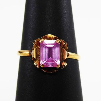 Petite Victorian 18k Gold Ring With Pink Sapphire Emerald Cut Gemstone - Solitaire with Floral Setting Vintage 1890s 1900s Victorian Ring