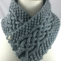 Neckwarmer Irish Celtic Knot Trinity Gray Heather knit Caron Simply