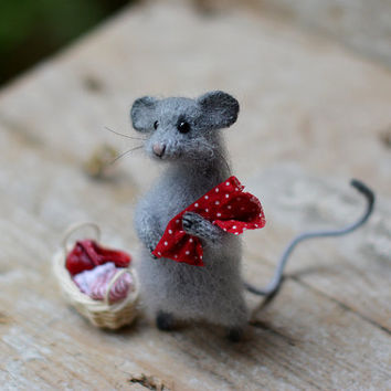 Hand knit cute mouse red home decor bedroom decor cute gift birthday gift idea wool animal knitted toy