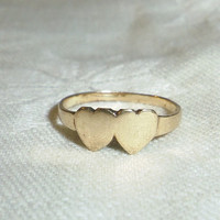 10K Yellow Gold Double Heart Ring Size 4 Weight 1.0 Gr. 1970s Friendship Ring