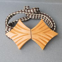 1930's Retro Art Deco Carved Butterscotch Bakelite Buckle with Vintage Belt