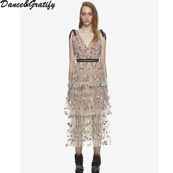 New 2018 Summer Long Self Portrait Bohemian Dress Women Sexy V-neck Backless Embroidery Floral Sequined Stars Runway Dresses