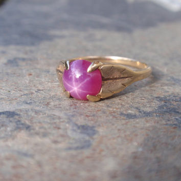 Ladies Pink Star Sapphire Ring 10k yellow gold