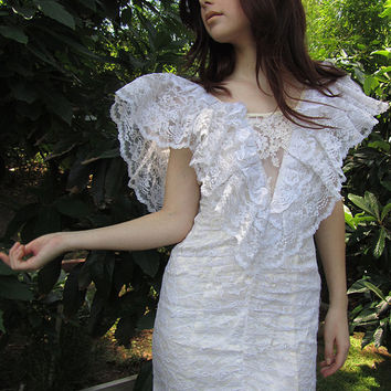 Vintage RUFFLELED LACE Princess Dress // Romantic Wedding Dress // Vintage Clothing by TatiTatiVintage on Etsy