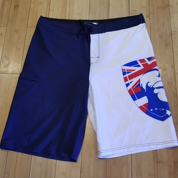 """King Kamehameha Shield"" White and Navy Board Shorts"