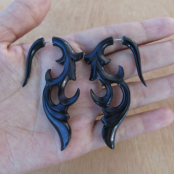 Horn Earring Fake Gauge, Horn Fake Piercing, Natural Color, Organic Piercing, Tribal - Hand Carved Body Art Jewelry