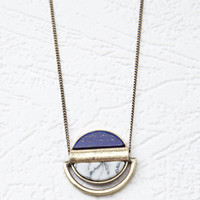 Circle Faux Stone Pendant Necklace