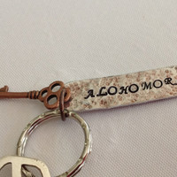 Alohomora (door opening spell) keychain for Harry Potter fans.