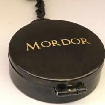 Mordor Working Compass, Mordor Keychain, Working Compass, Engraveable Key Chain, Gifts for Under 40, Fantasy Keychain, Lidded Compass