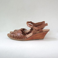80s brown leather huaraches. women's wedge sandals. woven leather sandals